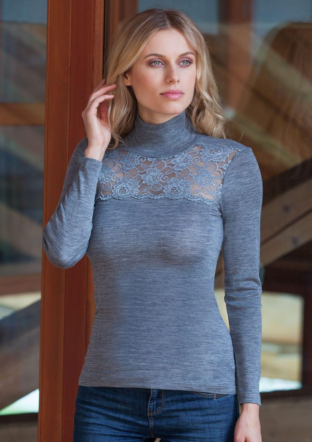 T Shirt Manica Lunga Lupetto Con Balza Di Pizzo In Costina Lana Merinos E Microfibra